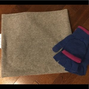 NWT Neck Warmer and Text Friendly Gloves